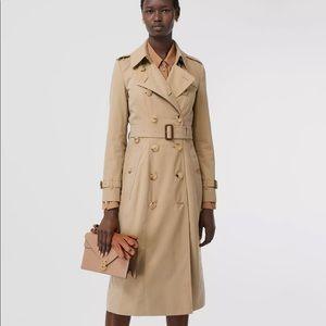 Burberry Chelsea classic long tan trench coat